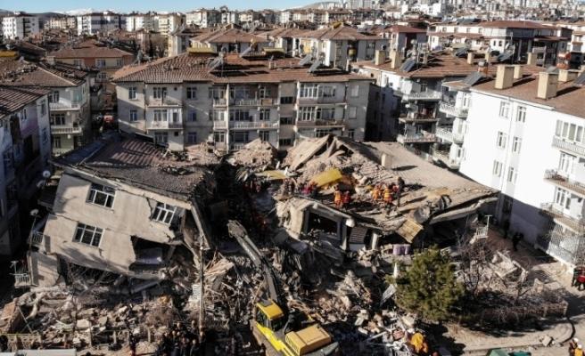 Elazığ'da depreminde 14 kişinin öldüğü Dilek Sitesi ile ilgili 23 şüpheli hakkında dava açıldı