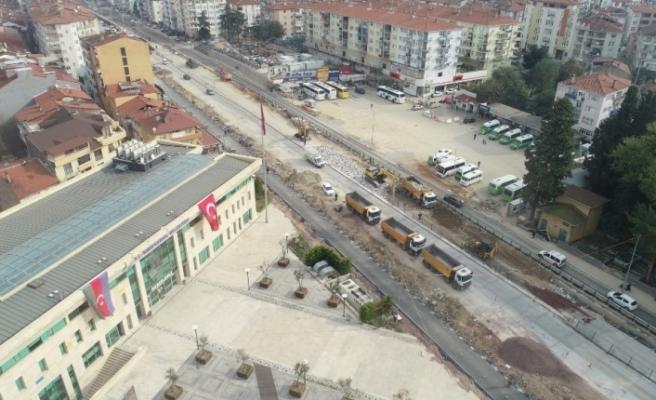 Karamürsel Köprülü Kavşağı'nda çalışmalar devam ediyor