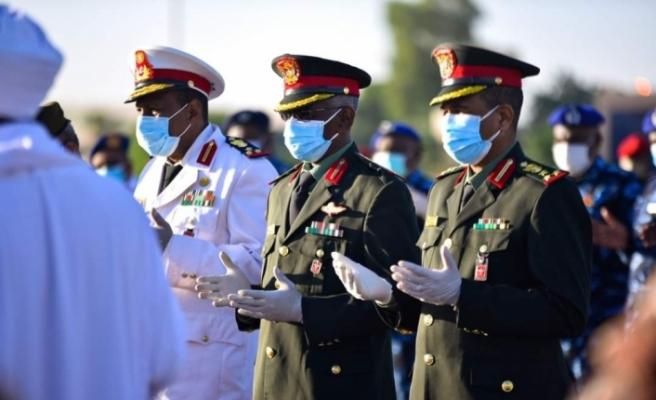Korona'dan ölen  Sudan eski Başbakanı Mehdi son yolculuğuna uğurlandı