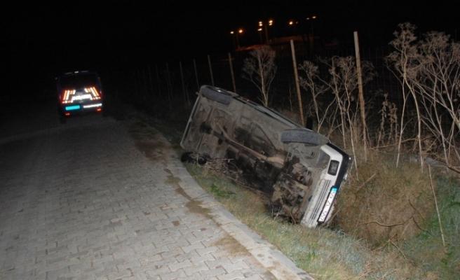 Sokağa çıkma kısıtlamasında kaza: Şarampole devrilen otomobil sürücüsü yaralandı