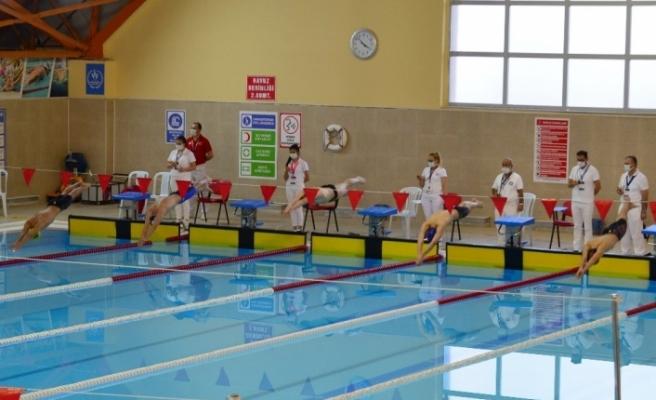 45 ilden 100 sporcu Kırşehir'de, yüzme şampiyonasına katılıyor