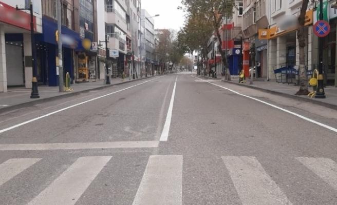 Adıyaman'ın cadde ve sokakları boş kaldı