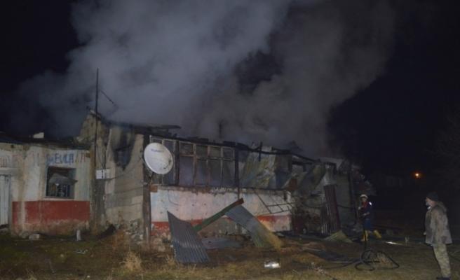 Ağrı'da ev yangını: 1 yaralı