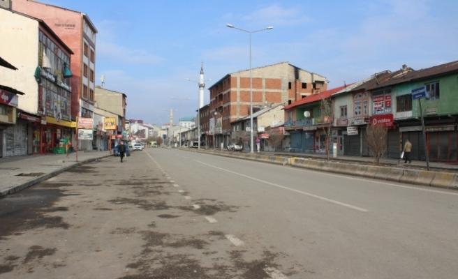 Ağrı'da sokağa çıkma yasağı nedeniyle meydanlarda sessizlik hakim
