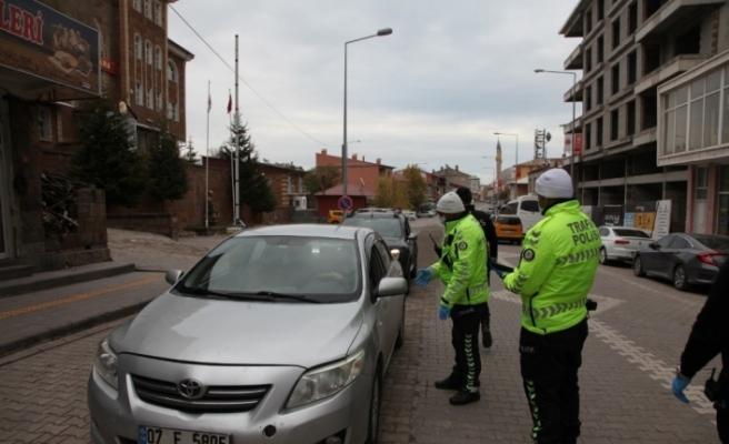 Ahlat'ta kısıtlamada trafik denetimi