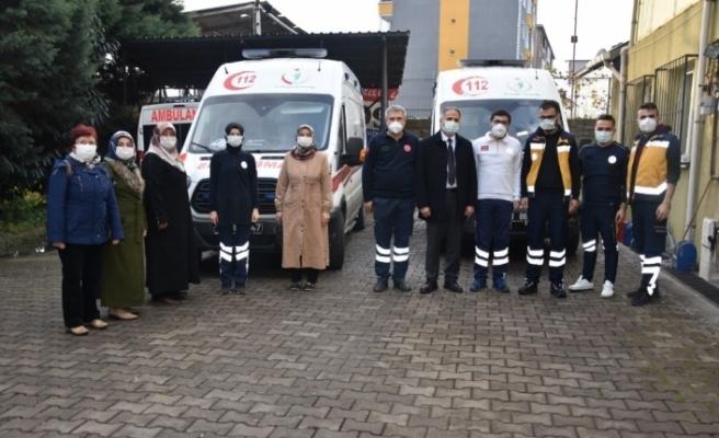 AK Parti yöneticileri 112 ekiplerine moral verdi