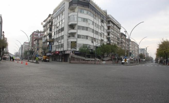 Diyarbakır'da kısıtlamanın ikinci gününde de sessizlik hakim