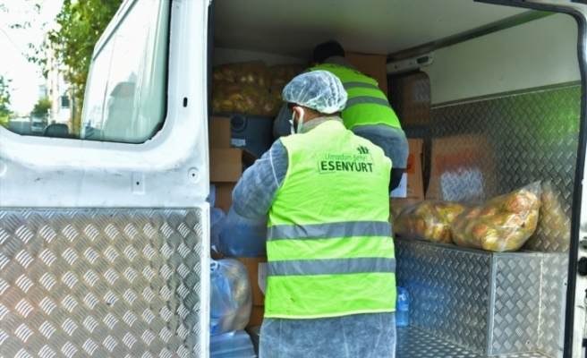 Esenyurt'ta Covid tedavisi görenlere gıda yardımı devam ediyor