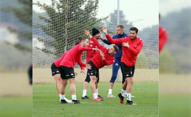 FT Antalyaspor ile DG Sivaspor 32. randevuda