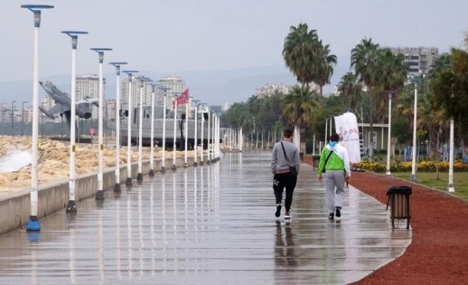 Mersin'de sokaklar yine sessiz kaldı