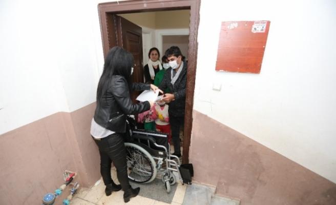 Mezitli Belediyesinden engellilere tekerlekli sandalye