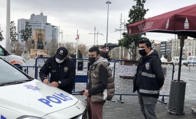 """(ÖZEL) """"Sıkılıyorum"""" diye Taksim'e geldi cezayı yedi"""