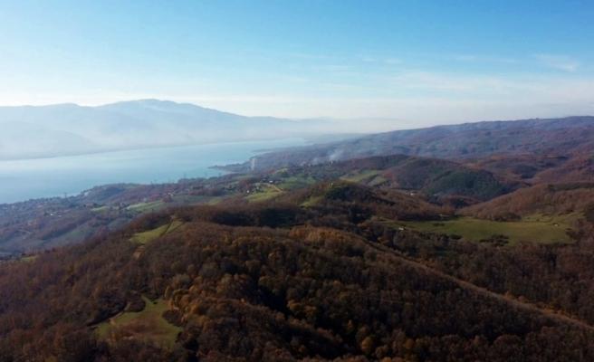Sapanca Gölü manzarası ile büyüleyen Kırcaali Yaylası havadan görüntülendi