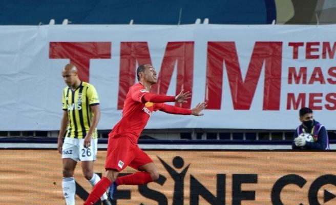 Süper Lig: Fenerbahçe: 0 - Yeni Malatyaspor: 2 (İlk yarı)