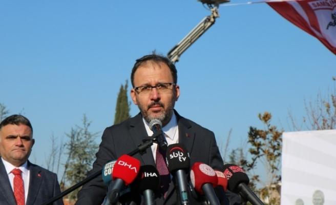 Bakan Kasapoğlu 'Samsunspor Anıtı'nı açtı