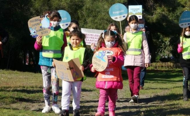 Çocuklar küresel ısınma, iklim değişiklikleri ve kuraklığa dikkat çekti