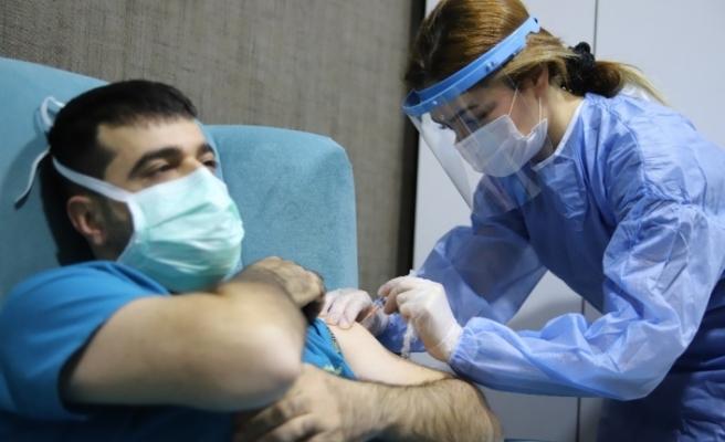 """Dr. Kılınç: """"Şu an aşıdan başka güvenecek hiçbir şeyimiz yok"""""""