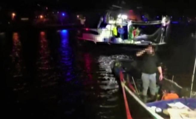 Kaçak avcılar denizde polise yakalandı