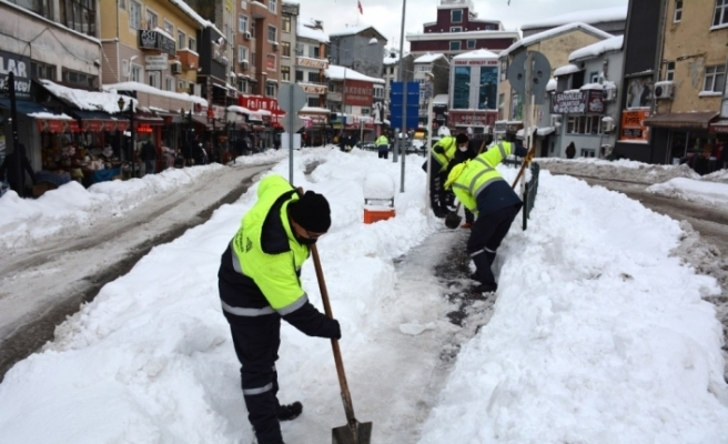 Kar temizliği için tüm ekipler seferber oldu