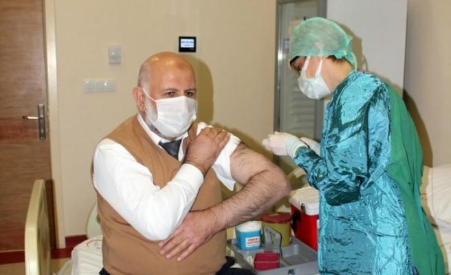 Karasu'da aşı uygulaması başladı