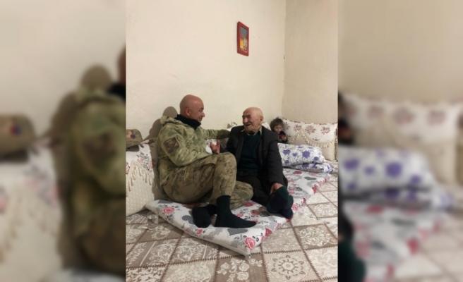 Mehmetçik, 110 yaşındaki emekli güvenlik korucusunu unutmadı