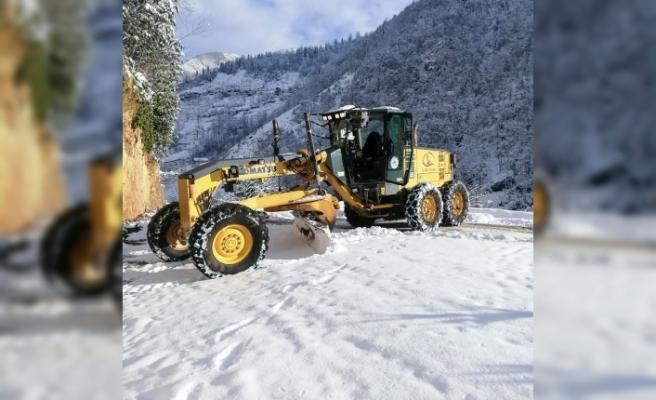 Rize'de 81 köy yolu ulaşıma kapandı