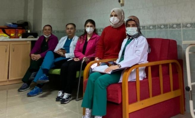 Sağlık çalışanlarına aşı uygulamasına başlandı