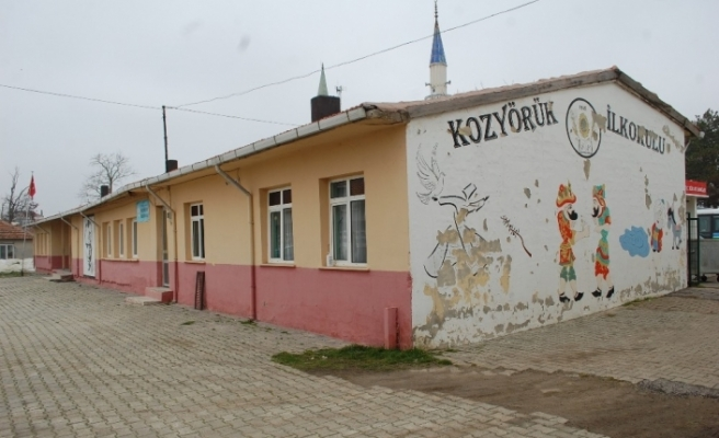 4 öğrenci ve 1 öğretmen korona virüse yakalanınca okula 10 gün ara verildi