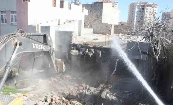 Adıyaman'da kentsel dönüşüm için ilk yıkım yapıldı