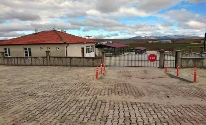 Aslanapa hayvan pazarı küçükbaş hayvanlara kapatıldı