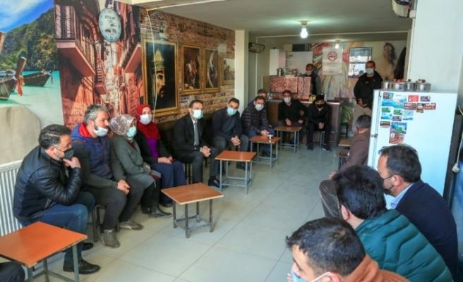 Başkan Vekili Aslan, esnafın sorun ve taleplerini dinlemeye devam ediyor