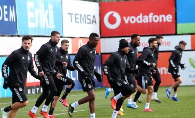 Beşiktaş, Yeni Malatyaspor mesaisini sürdürdü