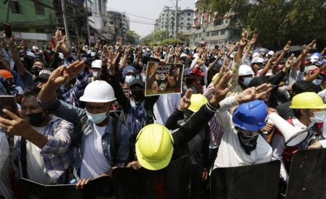 """BM: """"Myanmar'daki protestolarda en az 18 kişi öldürüldü"""""""