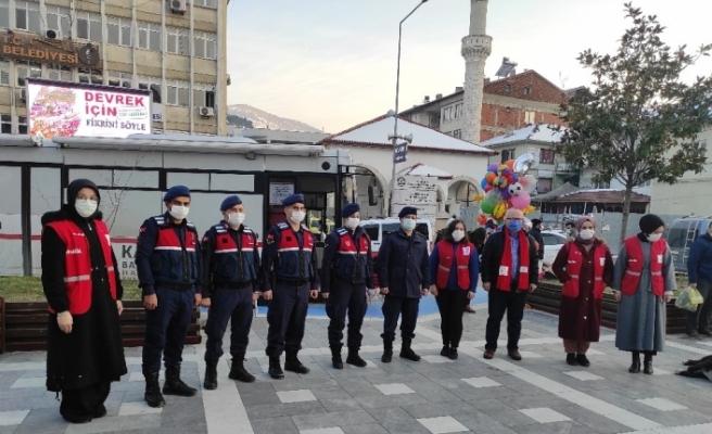 """Devrek'te """"Asker Millet El Ele"""" kan bağısı kampanyası düzenlendi"""