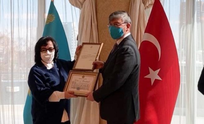 PAÜ'lü akademisyen Kazakistan devlet ödülünün sahibi oldu