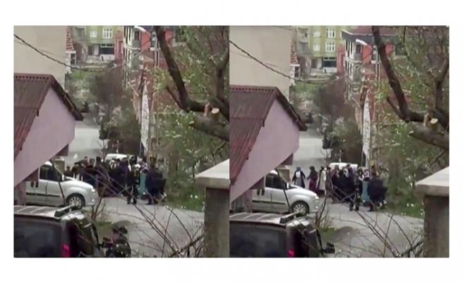 İstanbul'da pes dedirten görüntü: Korona tedbirlerini hiçe sayıp yol ortasında halay çektiler