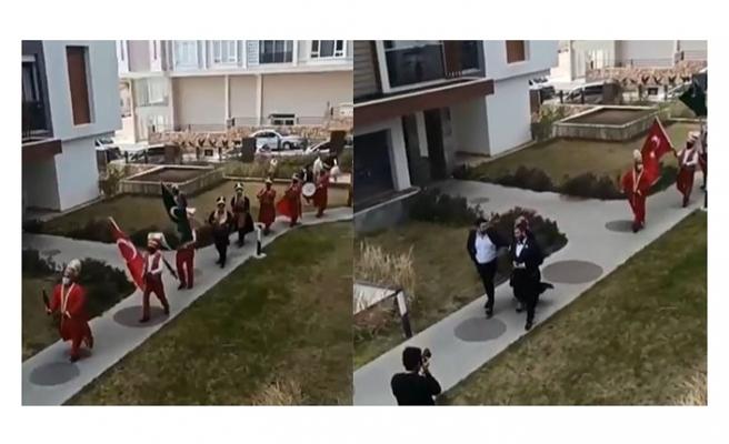 Antalya'da kısıtlama saatinde mehter marşı eşliğinde kız isteme merasimi