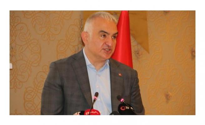 Bakan Ersoy: Mayıs sonuna kadar tüm turizm çalışanları aşılanacak