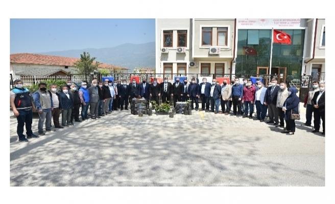 Bursa Büyükşehir Belediyesi'nden Çiftçiye fidan desteği