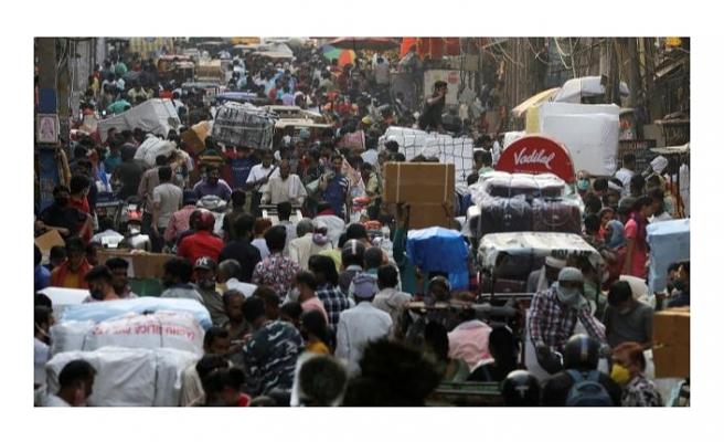 Hindistan'da vaka rekoru: 1 günde 314 binden fazla kişi