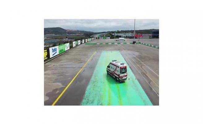 Ambulans şoförleri Formula 1 pistinde