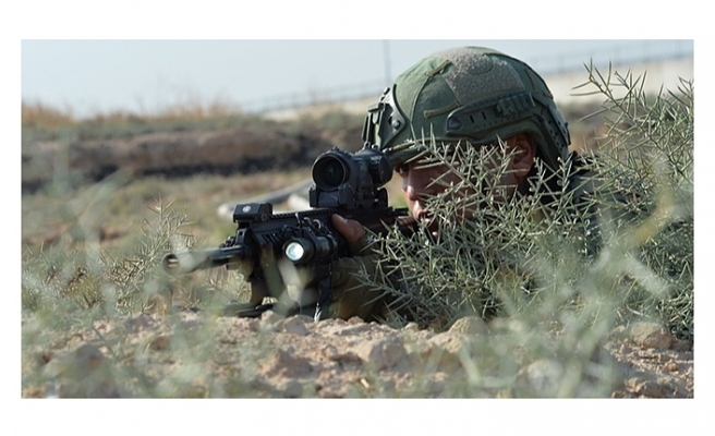 Mehmetçik Pençe-Şimşek ve Pençe-Yıldırım operasyonları ile teröristlerin inlerine girmeye devam ediyor