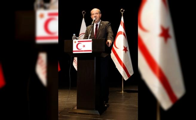 KKTC Cumhurbaşkanı, Kıbrıs Modern Sanat Müzesinde iki serginin açılışını gerçekleştirdi