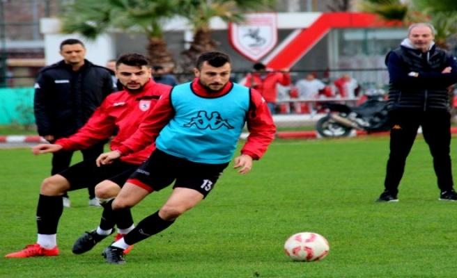Samsunspor'un hayatta kalma çabaları devam ediyor.