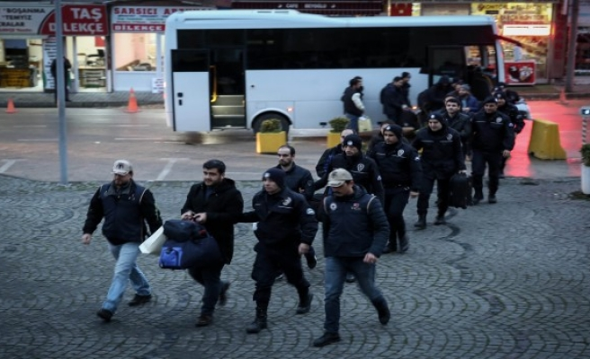 Bursa'da FETÖ'cü 12 eski subay adliyeye sevk edildi
