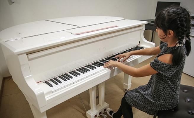Piyanonun yetenek abideleri 'çocuklar'