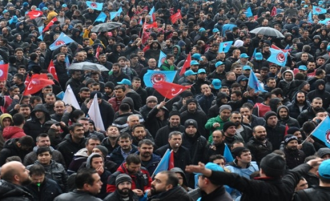 Bursa'da 5 bin işçi meydanlara indi