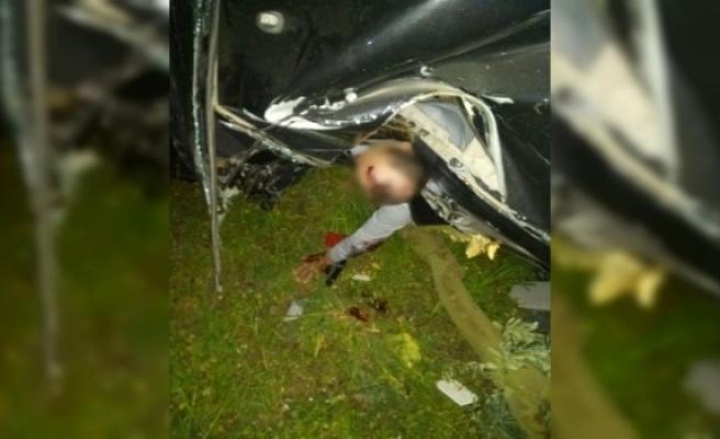 İznik'teki feci kazada sıkışan sürücü böyle bekledi