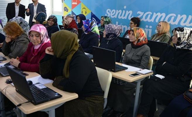 Türk Telekom'dan gezen eğitim