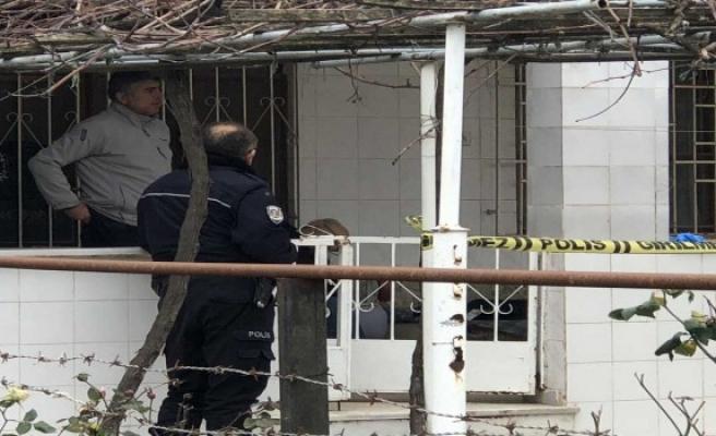 Bursa'da yaşlı bir adam evindeki sandalyesinde ölü bulundu